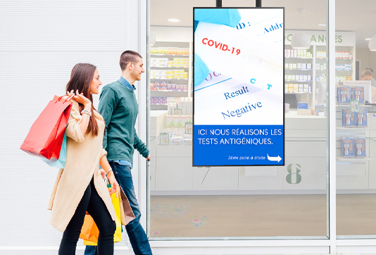 Écrans-de-communication-et-radio-in-store-dans-les-pharmacies