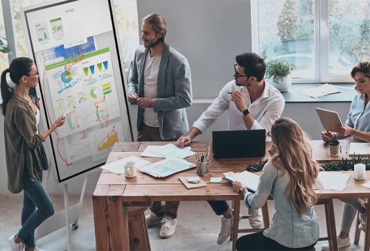 Equipez-efficacement-vos-petites-salles-de-reunion